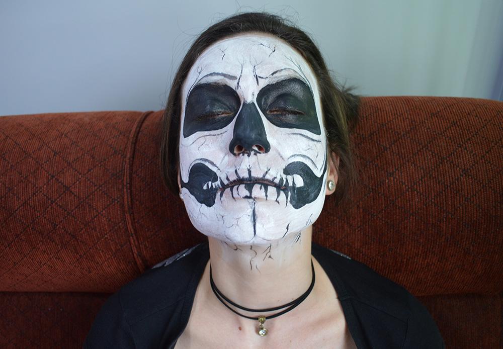 tutorial-de-halloween-maquiagem-de-caveira-blog-ela-inspira-completo
