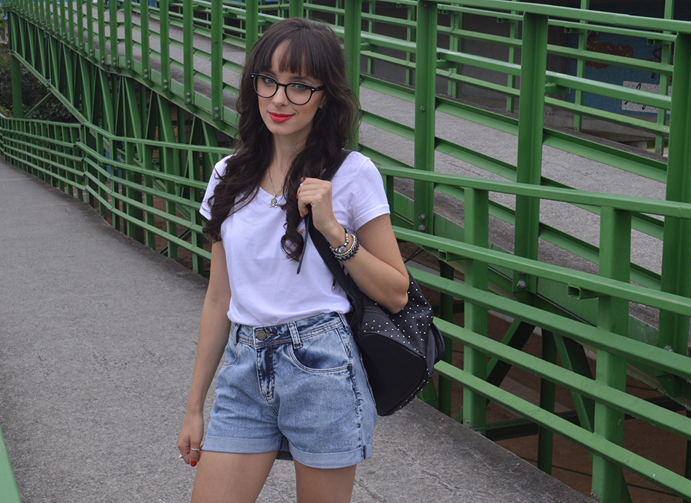 i-wear-glasses-look-tshirt-e-jeans-blog-ela-inspira-1