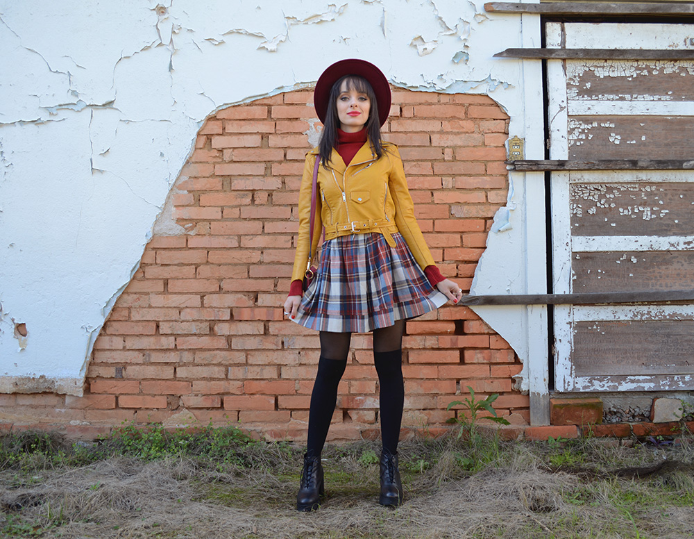 miss-atomic-bomb-look-com-jaqueta-amarela-blog-ela-inspira-1