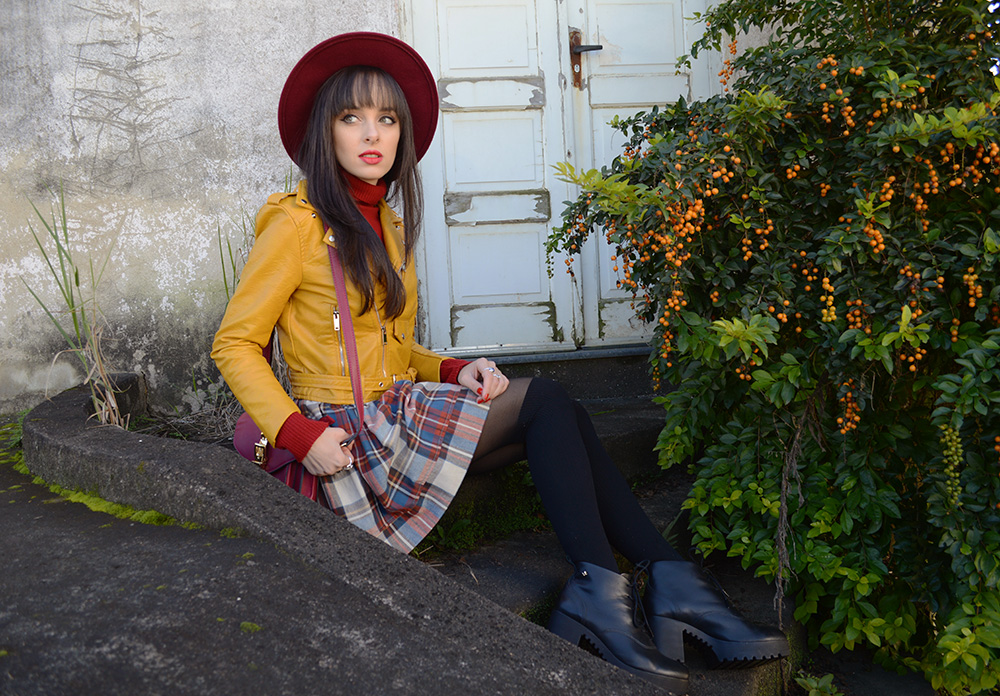 miss-atomic-bomb-look-com-jaqueta-amarela-blog-ela-inspira-10