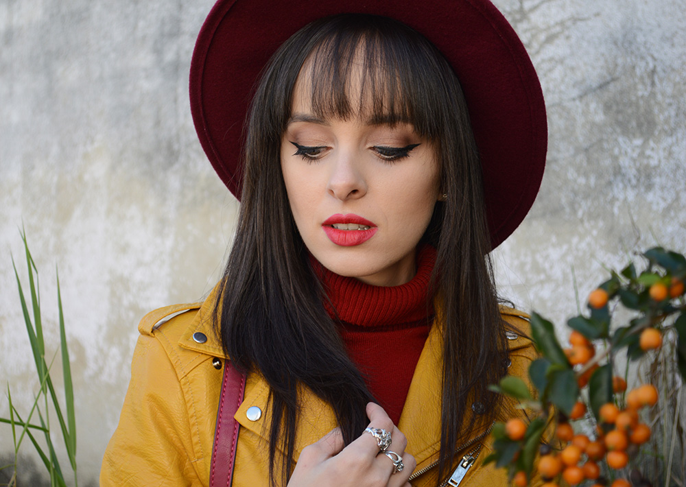 miss-atomic-bomb-look-com-jaqueta-amarela-blog-ela-inspira-12