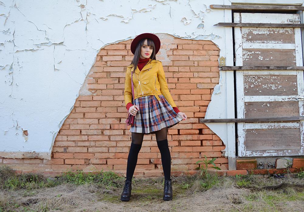 miss-atomic-bomb-look-com-jaqueta-amarela-blog-ela-inspira-2