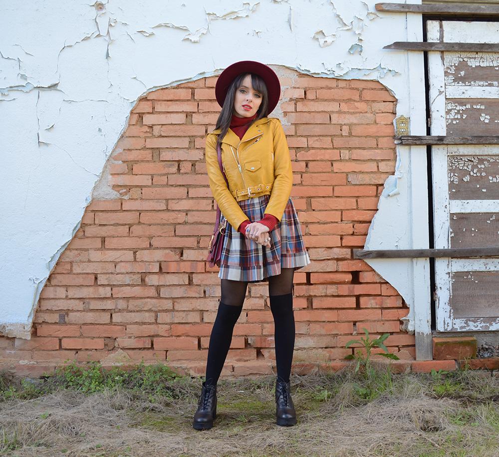miss-atomic-bomb-look-com-jaqueta-amarela-blog-ela-inspira-3