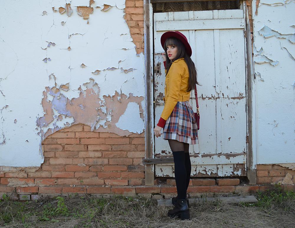 miss-atomic-bomb-look-com-jaqueta-amarela-blog-ela-inspira-6