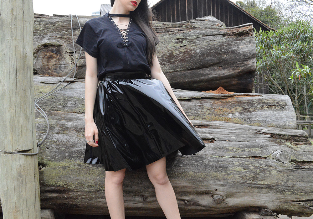 shadowplay-look-com-saia-de-vinil-blog-ela-inspira-10