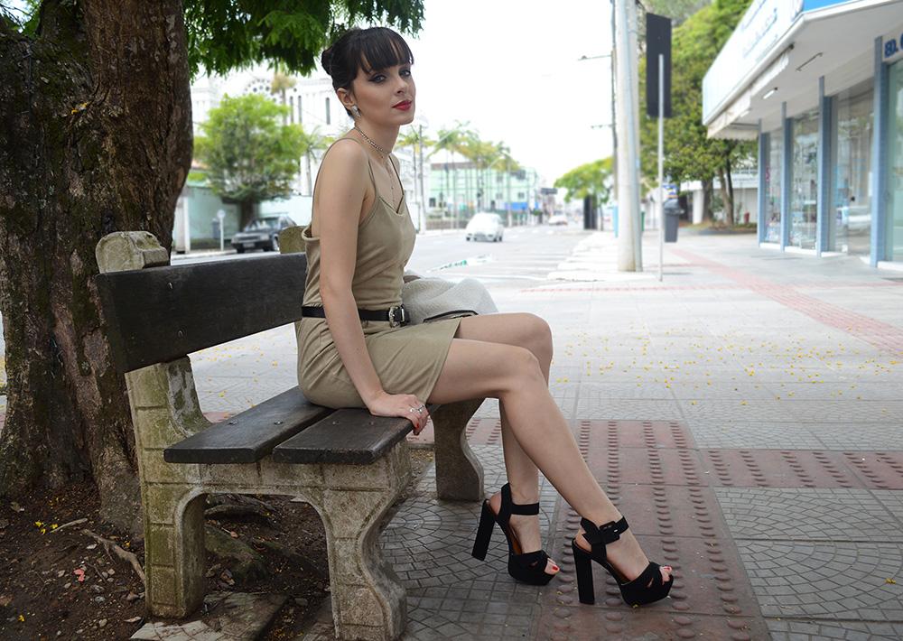 look-com-vestido-nude-blog-ela-inspira-11